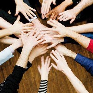 Mains en cercle